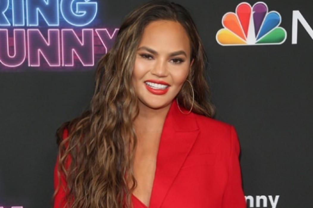"""chrissy-teigen-wows-in-red-at-bring-the-funny-premiere-check-out-her-new-show"""