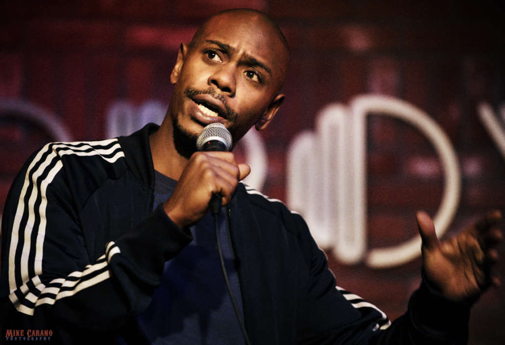 """dave-chappelle-says-people-should-put-down-their-phones-and-live-in-the-moment"""