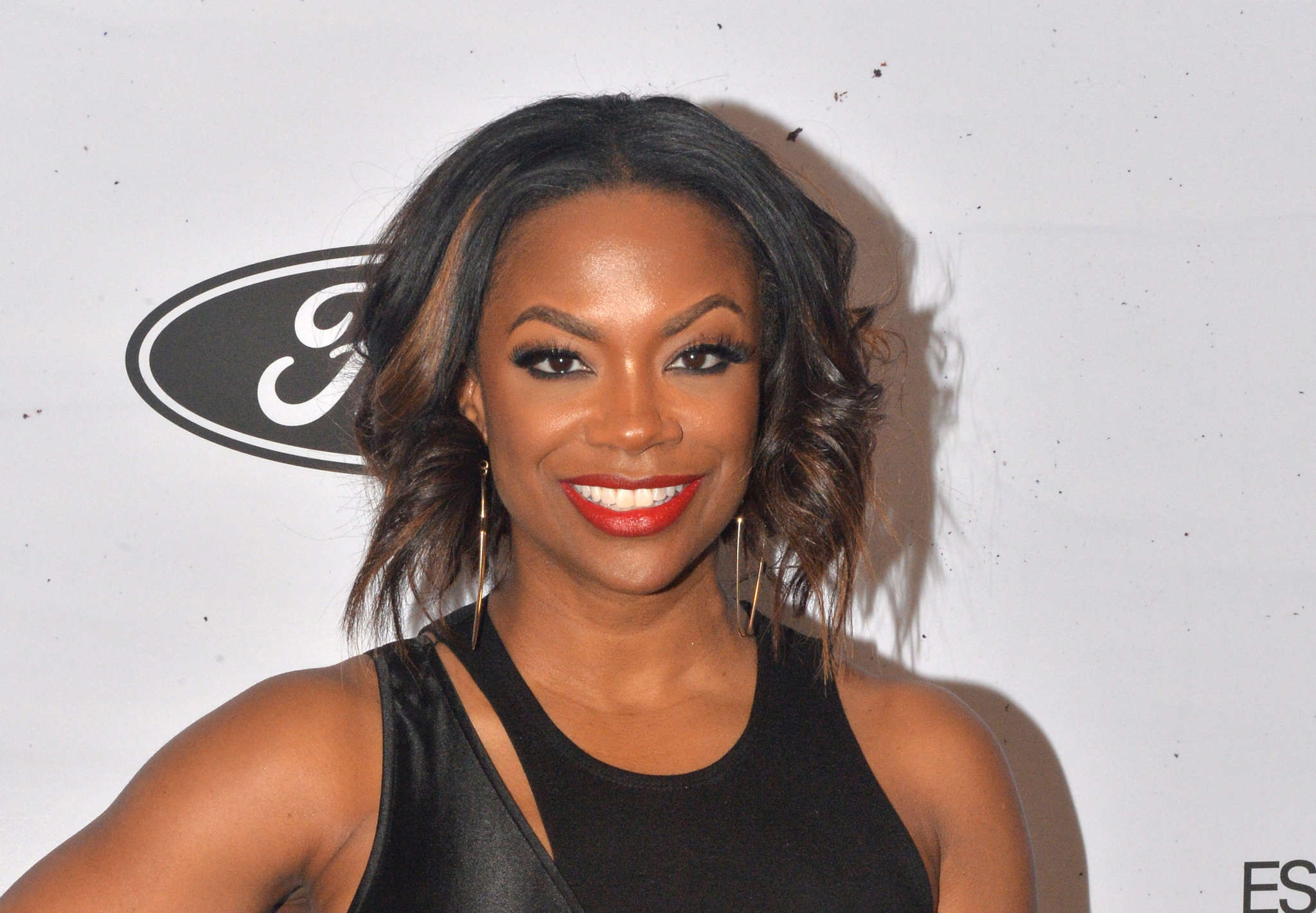 Kandi Burruss Proudly Announces That Her Kandi Koated Banner Popped Up On The Times Square Billboard