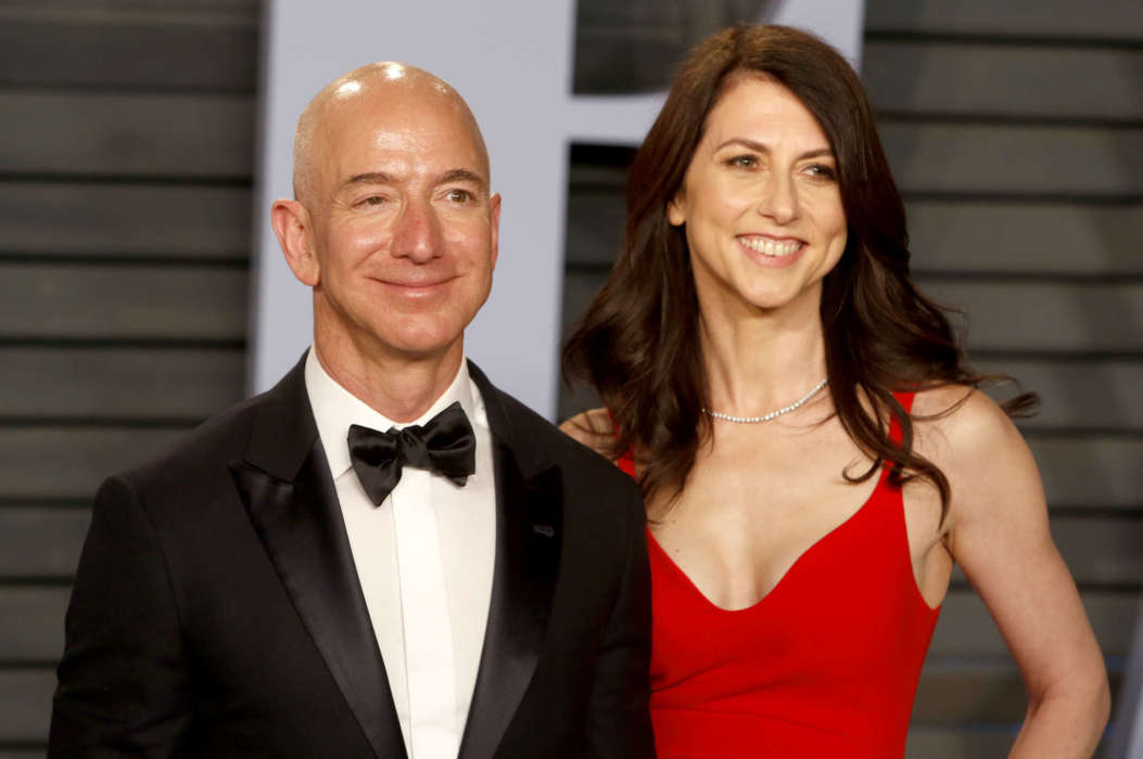 """""""mackenzie-bezos-message-inbox-exploding-with-dating-offers-following-her-divorce-with-jeff"""""""