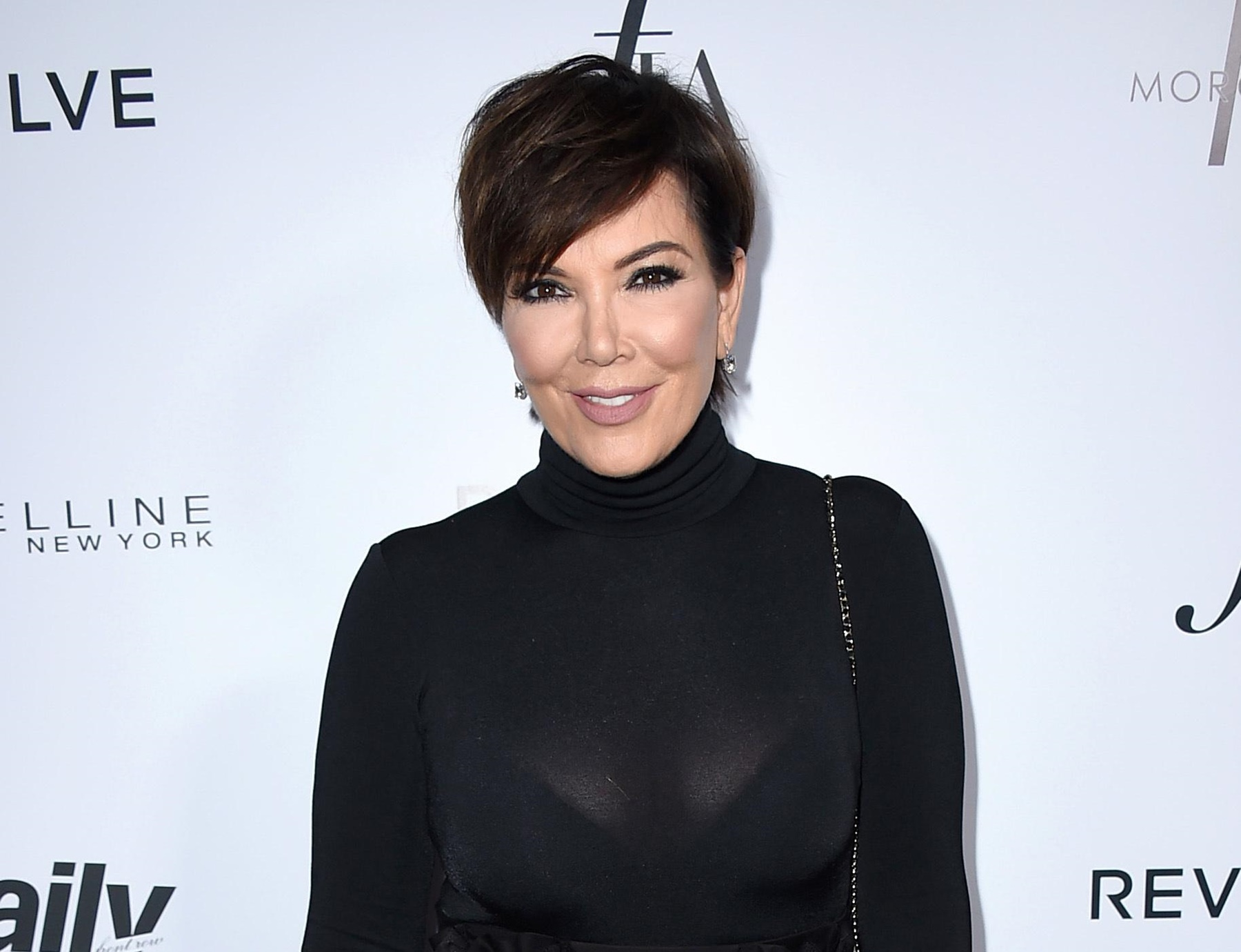 """kris-jenner-shares-bathing-suit-picture-and-some-bring-up-o-j-simpson"""