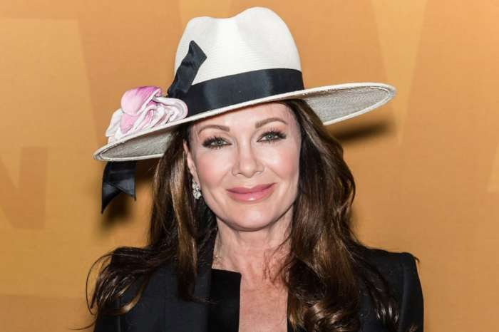 Lisa Vanderpump Sheds Tears At Her First Public Event After Difficult Few Months