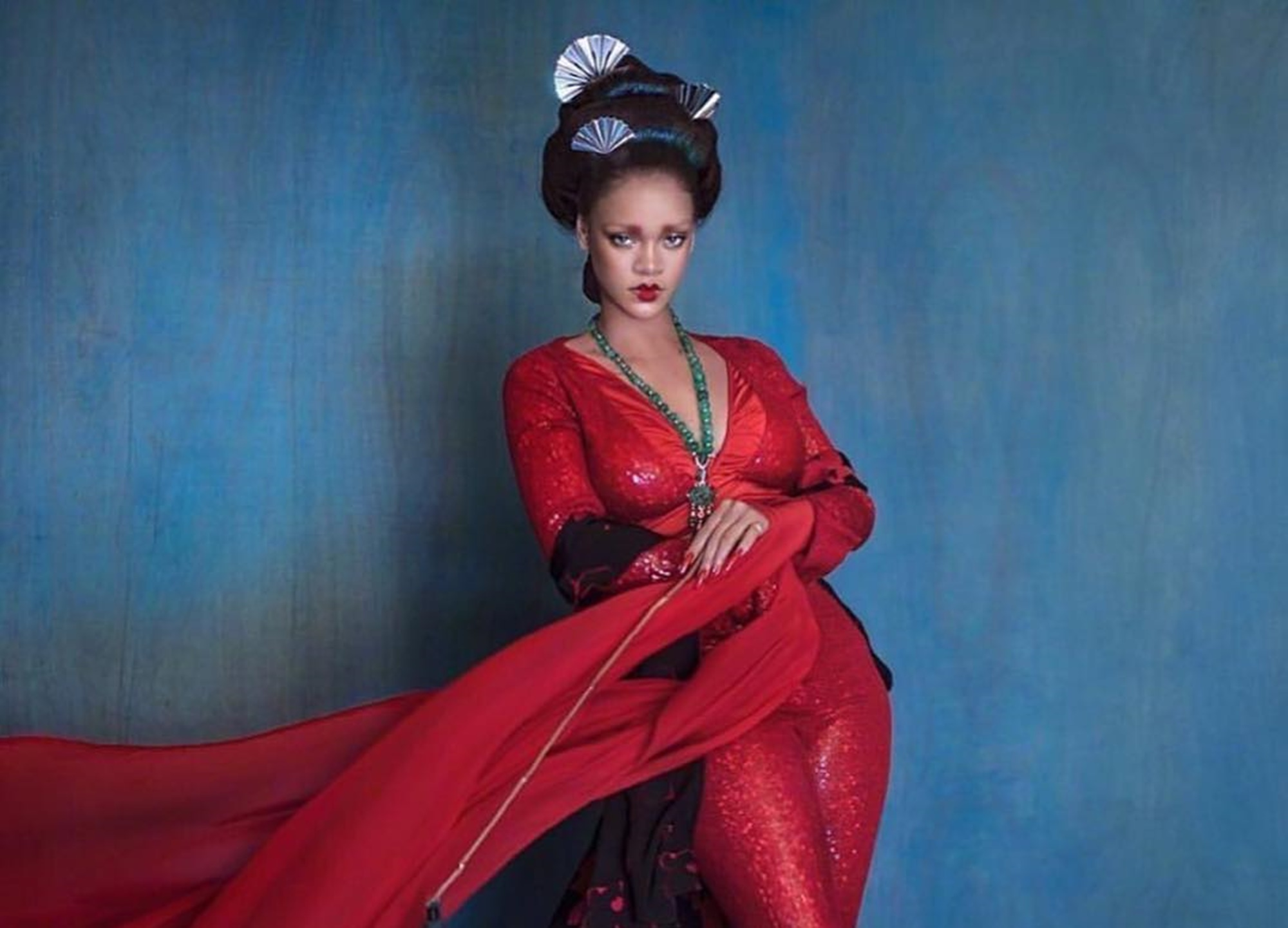 """rihanna-looks-like-a-real-life-painting-in-new-photos-critics-see-cultural-appropriation-did-hassan-jameels-gf-do-something-wrong"""