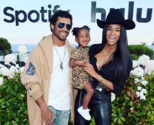 Russell Wilson's Video With His Baby Girl, Sienna Has Fans Saying That They're Not Really Here For His New Look