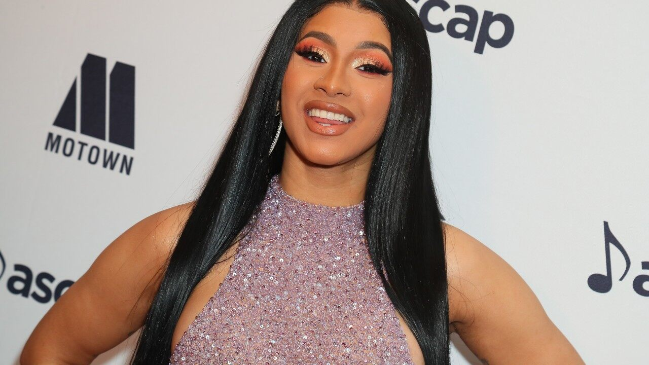Cardi B Gets 'Offset' Tattoo