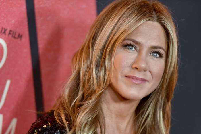 Jennifer Aniston Photographed Hugging And Kissing Mystery Man