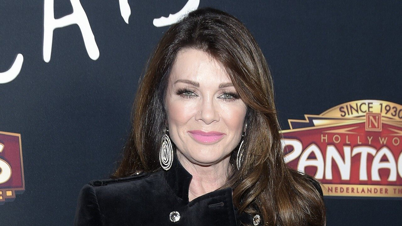 """lisa-vanderpump-makes-her-rhobh-exit-official-with-video-and-sentimental-message"""