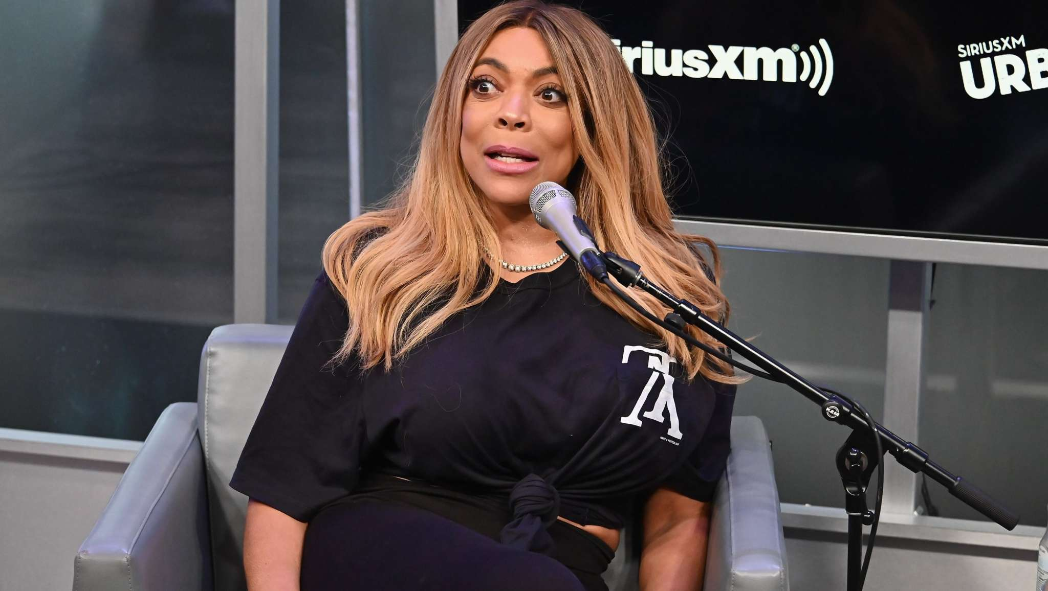 Wendy Williams Makes A Shocking Revelation About Taking Off Her Wig