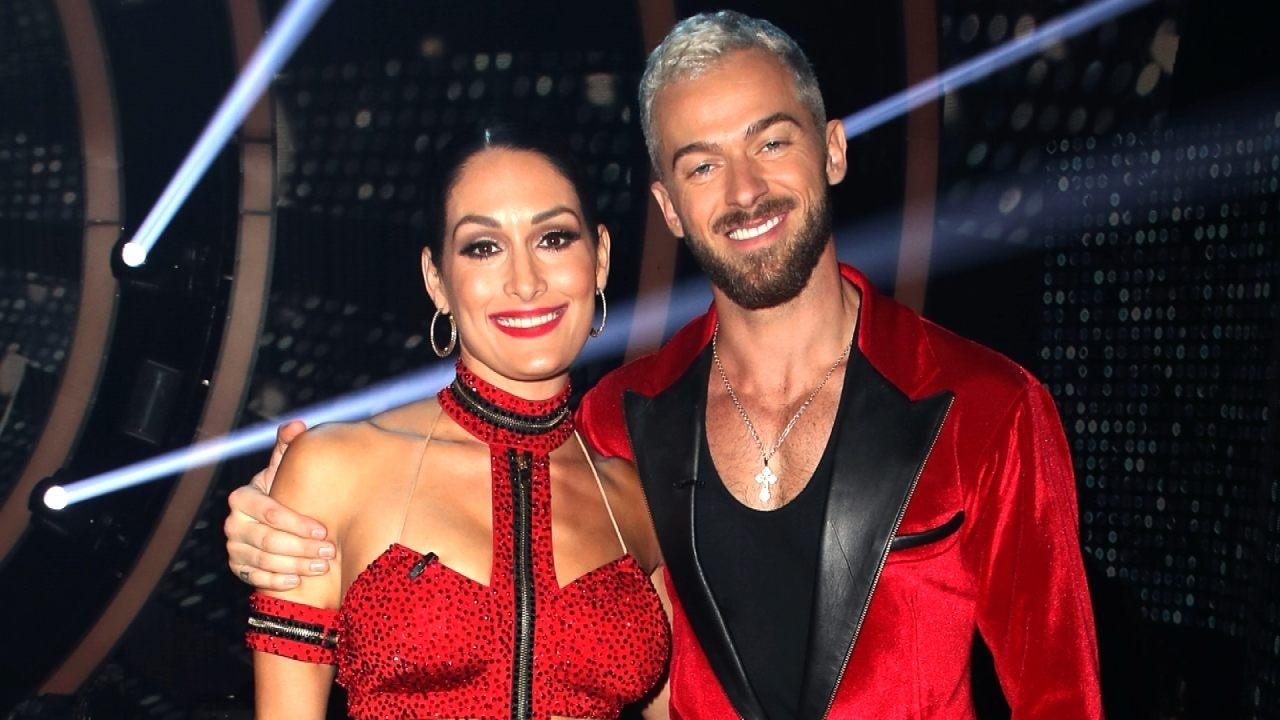 """nikki-bella-and-artem-chigvintsev-show-off-their-love-while-on-the-teen-choice-awards-red-carpet"""