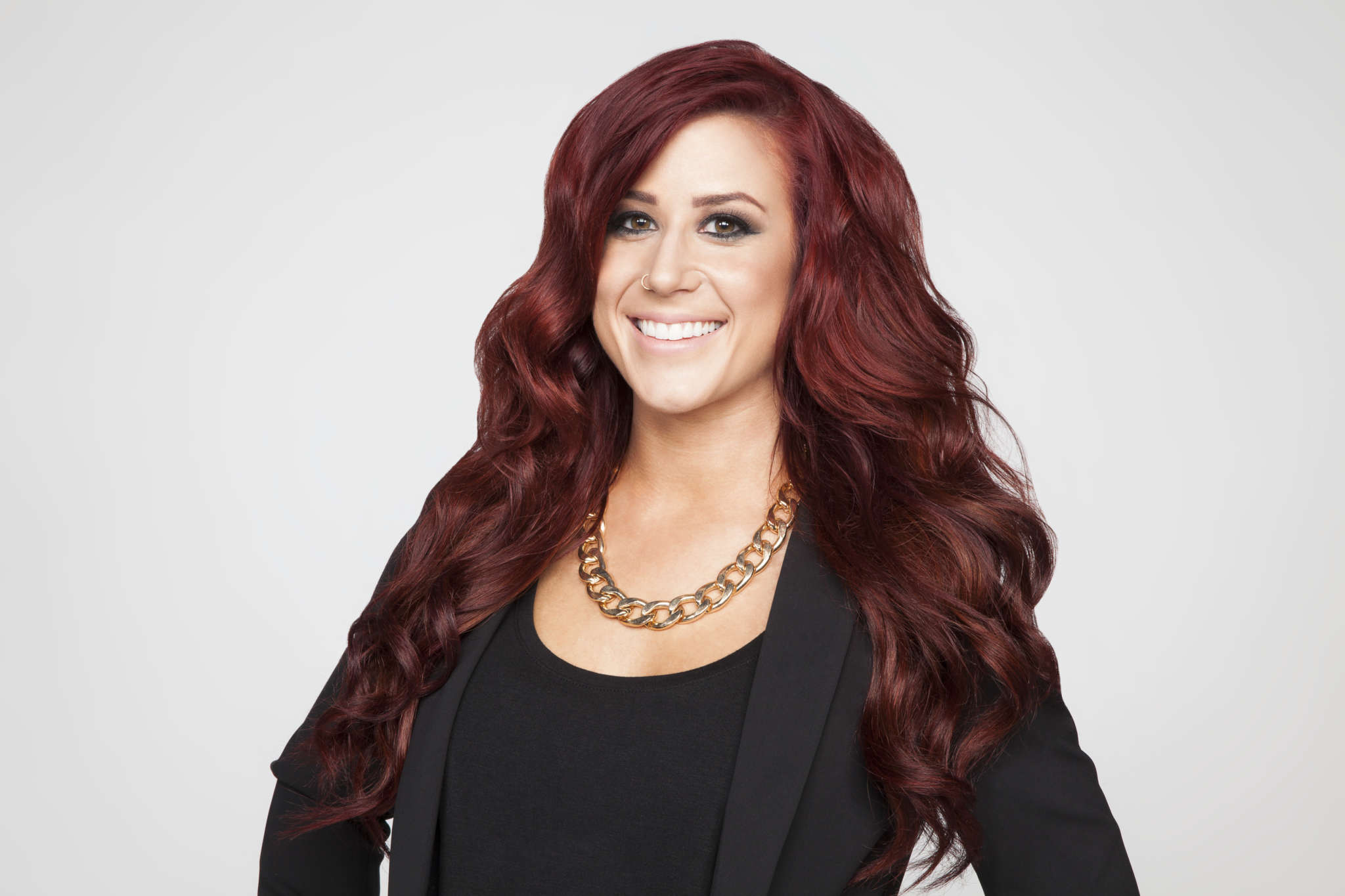 """""""chelsea-houska-gets-mom-shamed-after-allowing-9-year-old-daughter-to-wear-lipstick-and-hoop-earrings-to-school"""""""