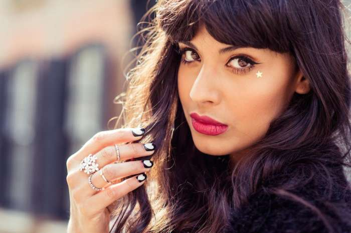 Jameela Jamil Calls On Other Female Celebrities To No Longer Airbrush Their Photos