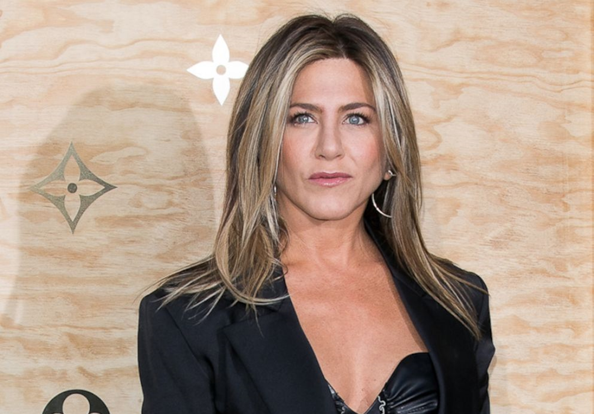 """jennifer-aniston-spends-this-amount-of-money-to-look-fabulous-at-50"""
