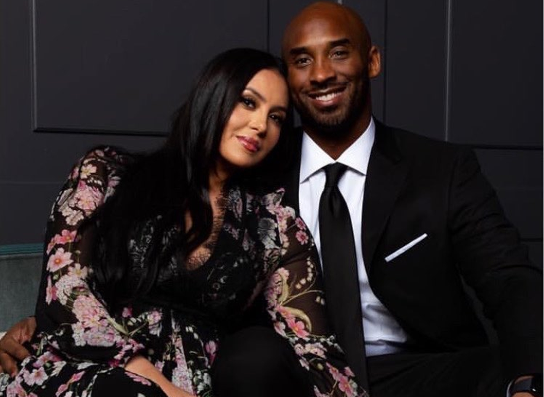 """kobe-bryant-shares-lovey-dovey-vacation-picture-with-his-stunning-wife-vanessa-bryant-the-nba-legend-calls-her-queen-here-is-what-fans-still-want-for-them"""