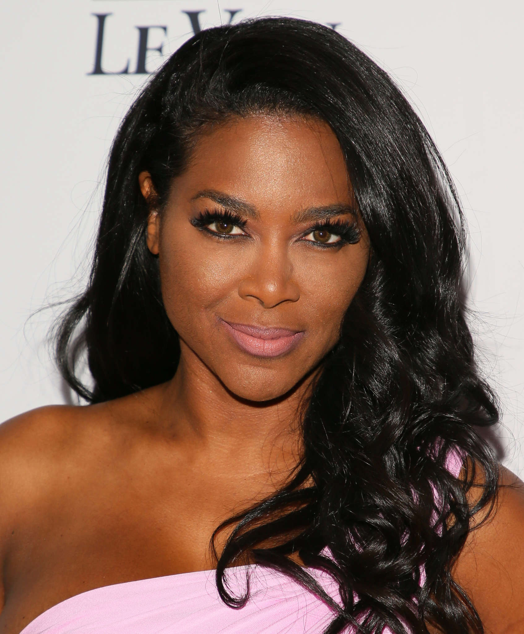 Kenya Moore Reveals Fans Her Secret For Slimming Down And Looking Her Best