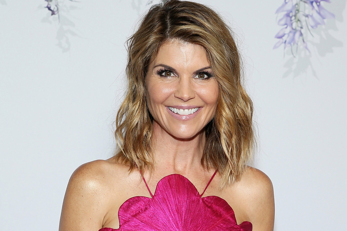 Lori Loughlin and Husband Mossimo Giannulli Are 'United' Amid Scandal