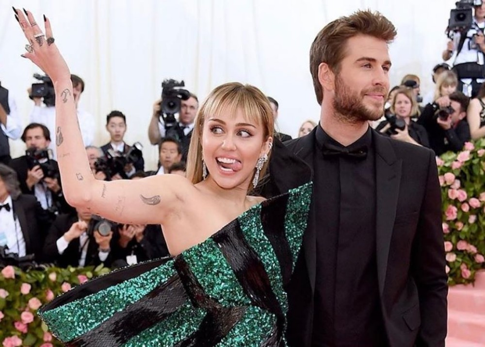 miley and liam split - photo #39