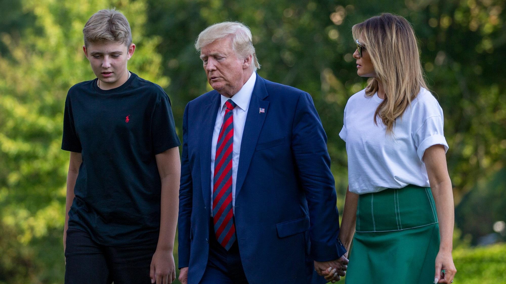 Barron Donald Trump Melania Vaping