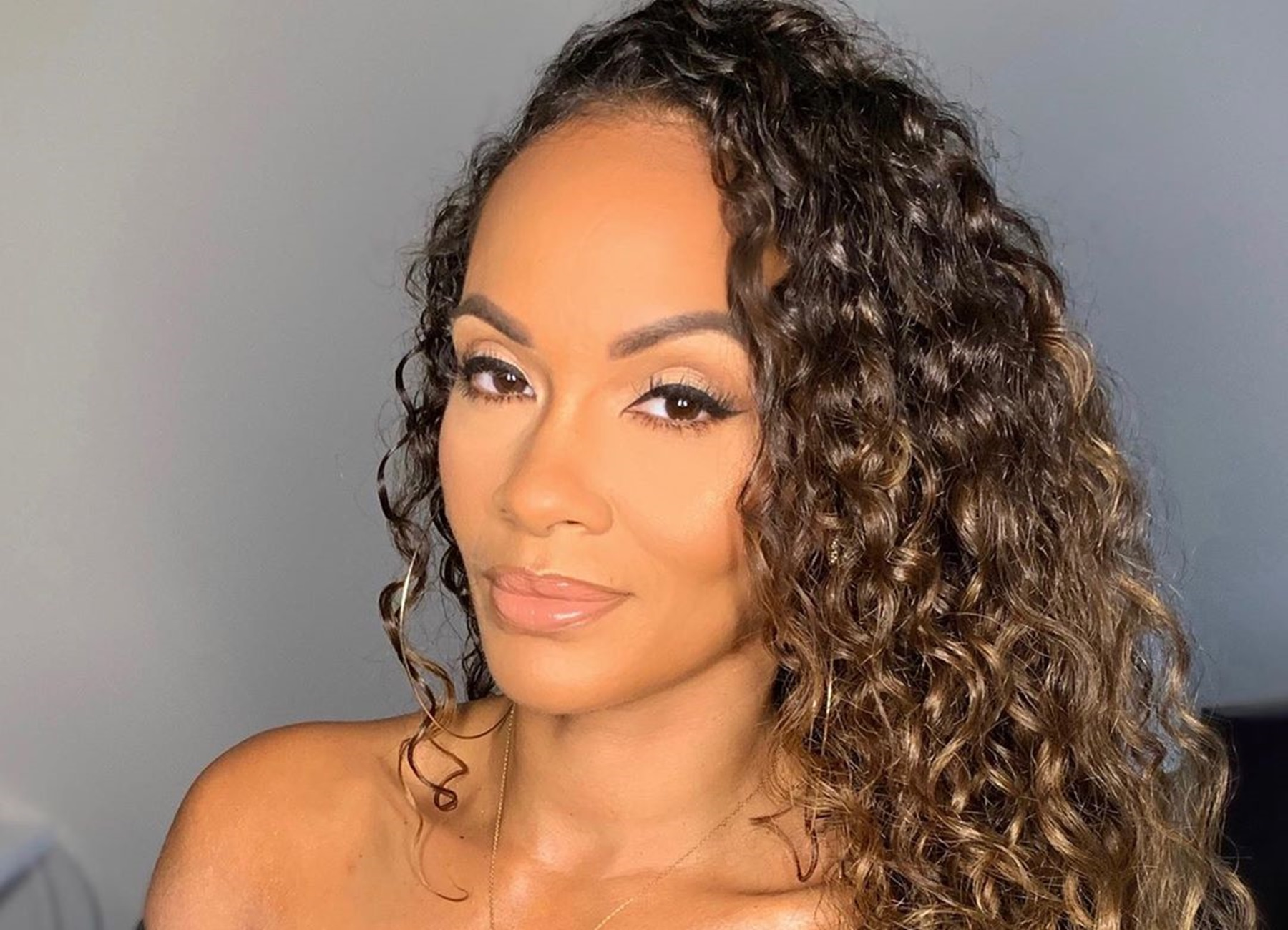 "Things between Evelyn Lozada and Ogom Chijindu – OG – seem to be deteriorating fast, although it is becoming less and less clear which of the two has a point. Evelyn recently received a lot of criticism from her fans – and fans of OG – for her behavior, with some implying that she should stay away from her Basketball Wives co-star and some even throwing out the suggestion that OG should get a restraining order against her. And in a strange turn of events, recent reports indicate that things might go the other way around, with Evelyn considering this very option for herself right now because she is scared of OG's ""mental state."" It is not known what grounds she would seek her order on, as the only major incident that has happened between the two recently was the aggressive attitude displayed by OG in a reunion episode of the show. The recent incident seemed to stem from the fact that OG felt slighted by the seating arrangement and left the stage in a huff. However, she returned when she was informed that filming was still running without her, which made her even angrier. https://www.instagram.com/p/B1ZcsawHEB9/ Many have pointed out that while her behavior was not entirely appropriate, it hardly constitutes a restraining order, and Evelyn Lozada might just want to look in another direction until the wind blows over. https://www.instagram.com/p/B15EpiVHDtT/ Others have been more supportive of the reality star, pointing out that there is a lot of toxicity on the show's set, and it is not healthy for anyone at this point, even the production itself. One fan weighed on the drama by saying: ""They stay hating on you! Keep doing what you do! 😘😘😘"" A critic responded by: ""That's not the best advice, she should be a better person. so she should keep being a bully using throwing out racist comments??"" Another stated: ""Evelyn would you tell me why are the ppl tryna get you boycotted from BASKETBALL WIVES??? 🤔🤔🤔🤔"" https://www.instagram.com/p/B2hrxegnLO3/ This person said: ""It was because of the racial stuff she said...some folks want it to be because OG was mad about the ToeG comment, but it was deeper than that...and it was the fans, not OG that started the petition. Unfortunately, folks think that you're a hater when you point out terrible behavior. Evelyn has behaved like a bigoted bully this season and its really sad. she called on a monkey and called Cece ling ling and did some shit with her teeth to imitate a Chinese person."""