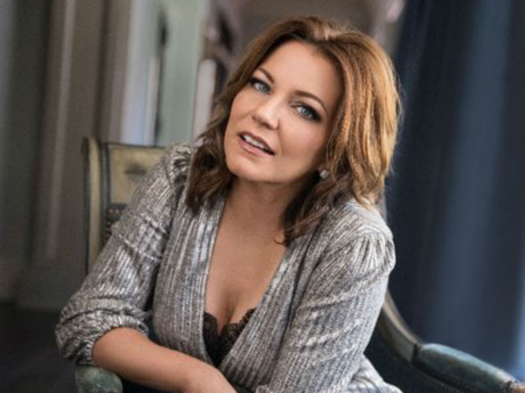 """martina-mcbride-calls-out-spotify-for-lack-of-female-representation"""