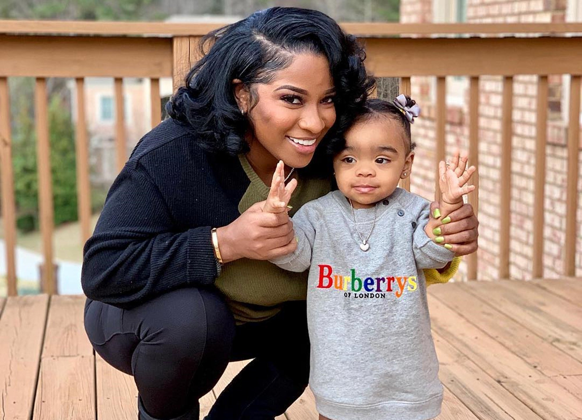 Toya Wright's Daughter, Reign Rushing Applies Lipgloss For The Very First Time - See The Video