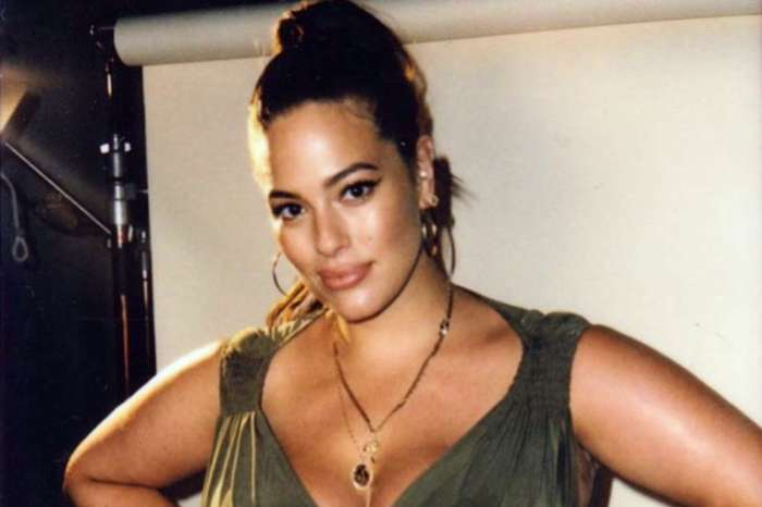 Ashley Graham Shares New Censored Pregnancy Photo