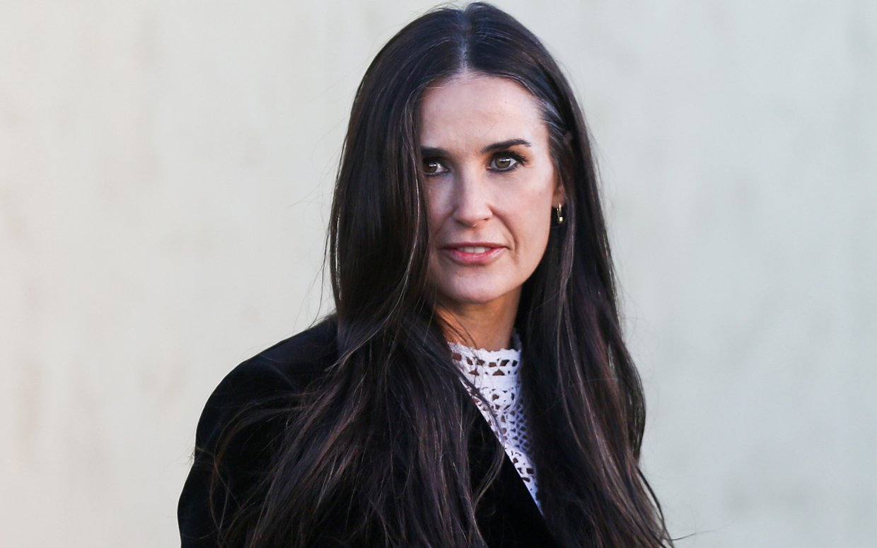 """demi-moore-opens-up-about-her-traumatic-miscarriage-says-she-blamed-herself"""