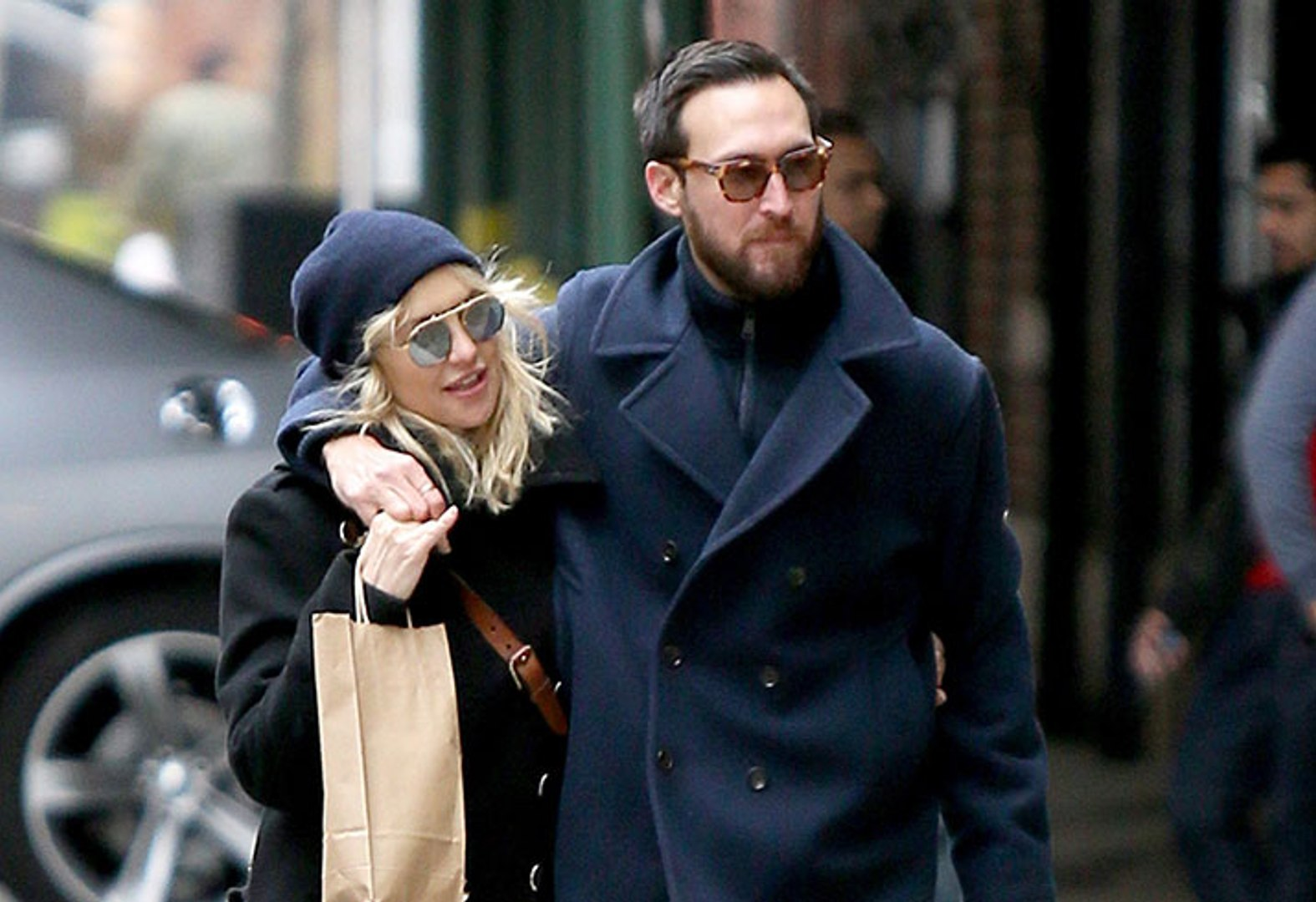 """kate-hudson-not-in-a-hurry-to-tie-the-knot-with-boyfriend-danny-fujikawa-heres-why"""