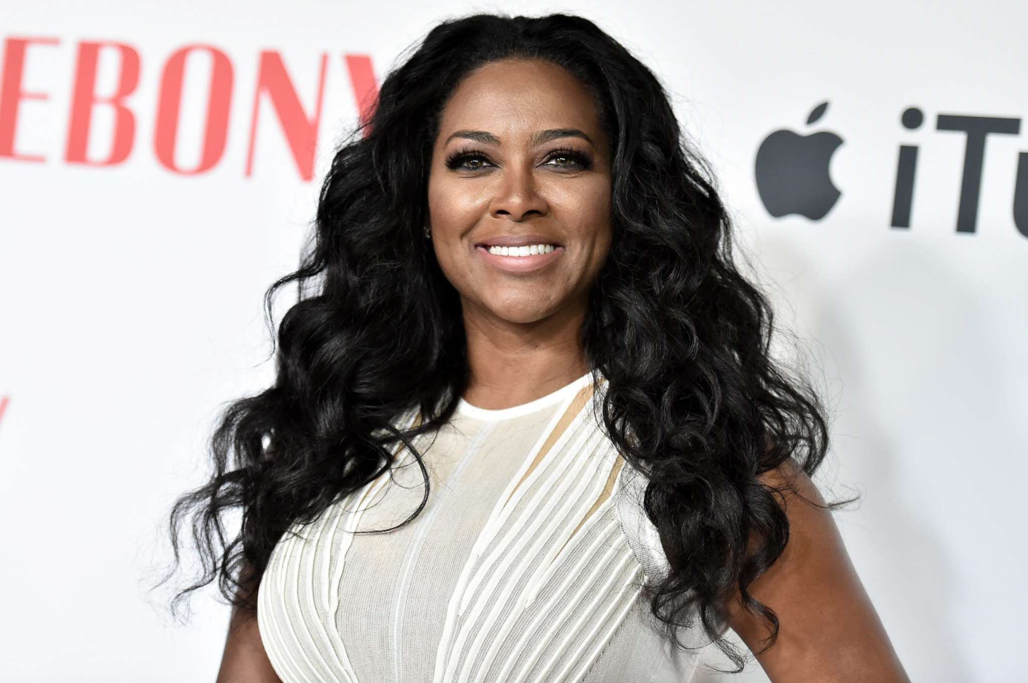 Kenya Moore Looks Amazing In This Nude Jaw-Dropping Dress - See The Photo