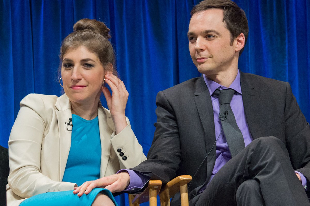 Mayim Bialik stars in new comedy series