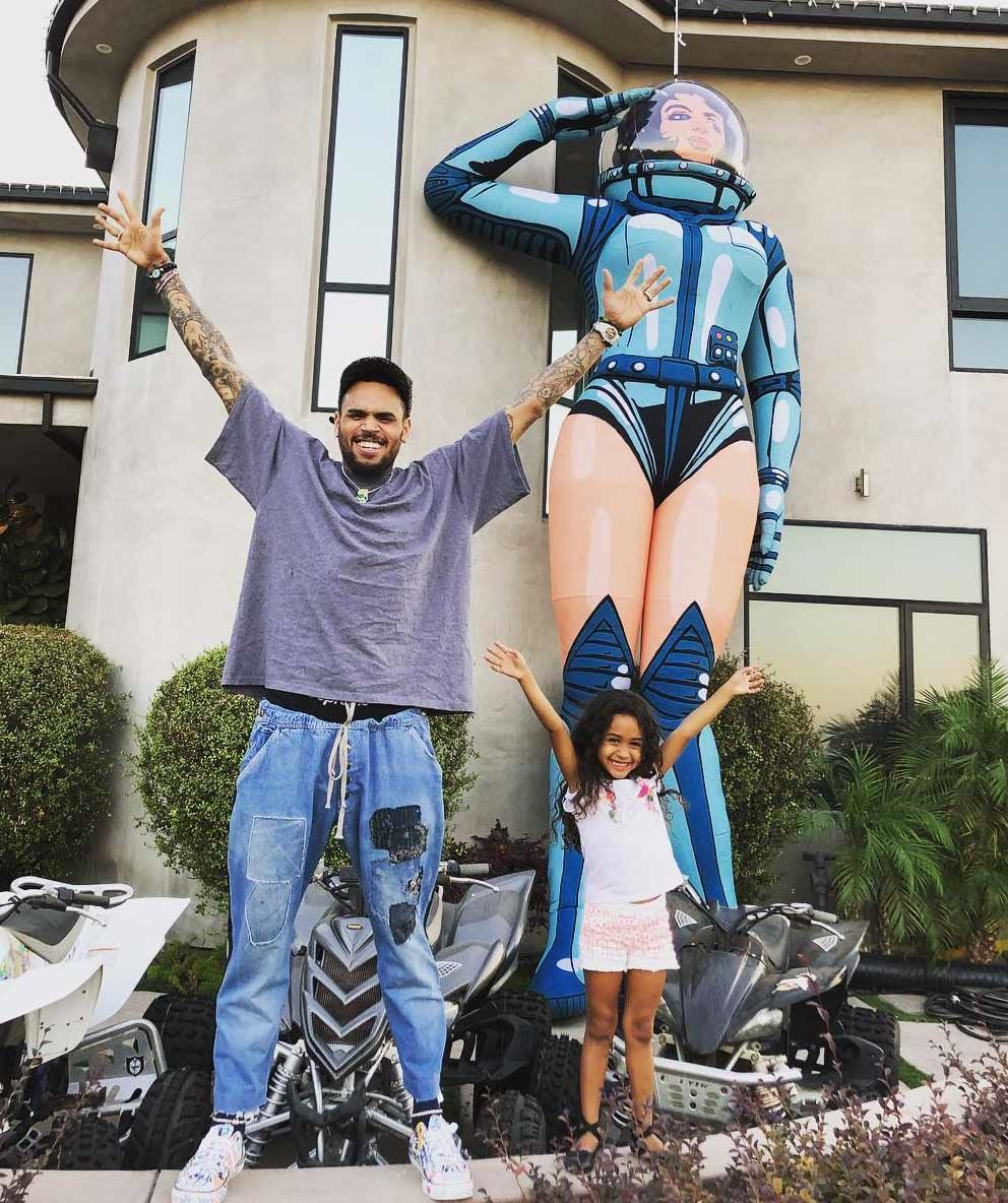 Chris Brown Brings His Daughter, Royalty On Stage And Fans Are In Awe