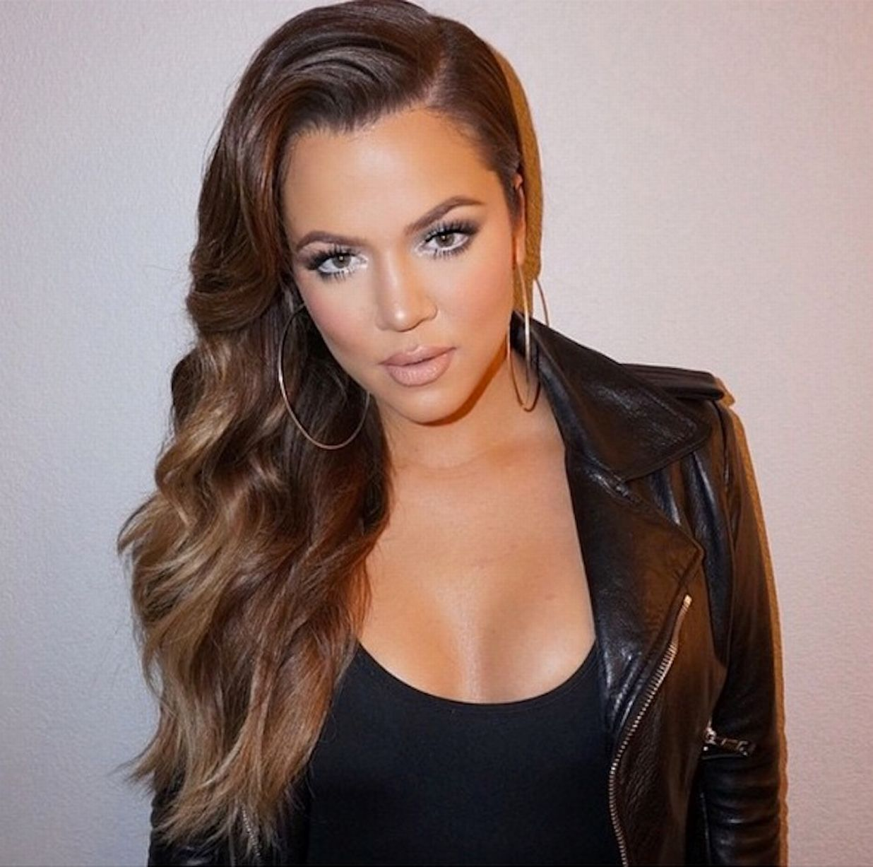 Khloe Kardashian Announces The New KKW Fragrance Diamonds Collection With Kim & Kourtney - Fans Adore Khloe's Brunette Hair