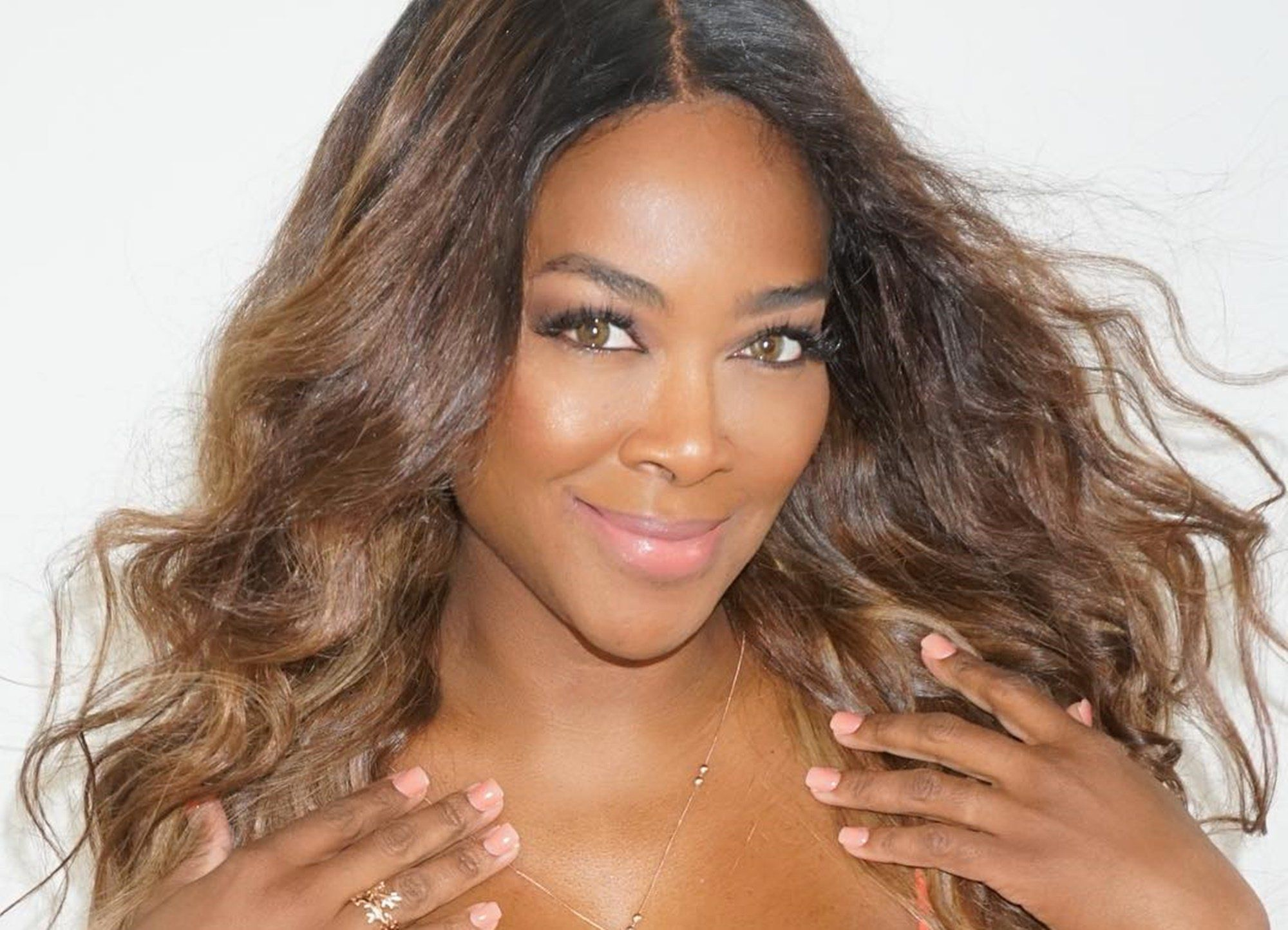 Kenya Moore's Fans Are In Love With Her Natural No Makeup Look - See Her Latest Photo