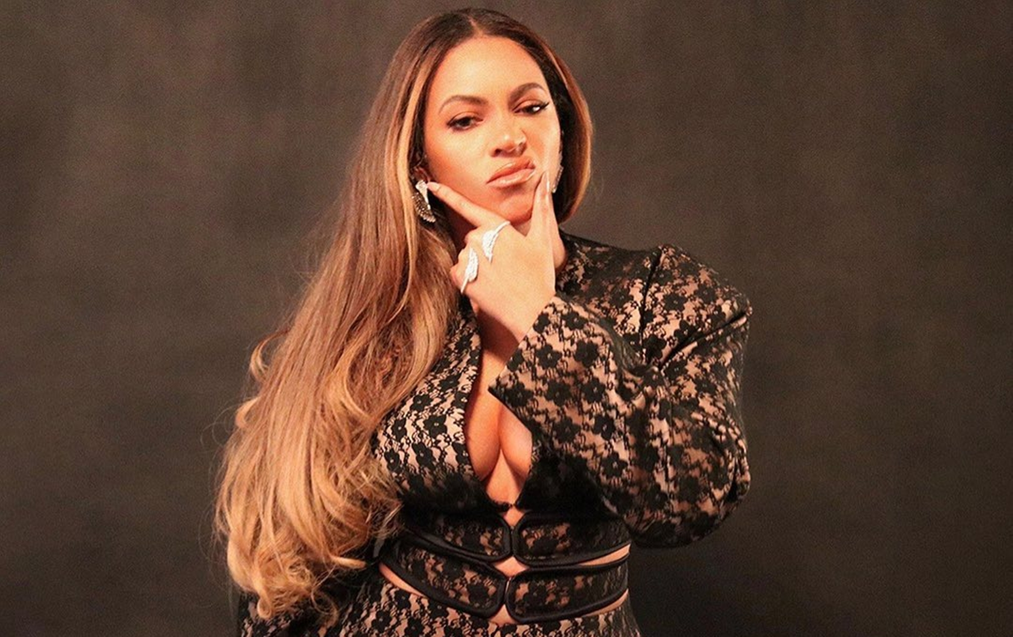 Beyonce Jay-Z Wife Fashion Moves