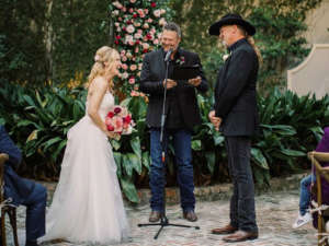 Country Singer Trace Adkins And Victoria Pratt Are Married - Blake Shelton Officiates Wedding