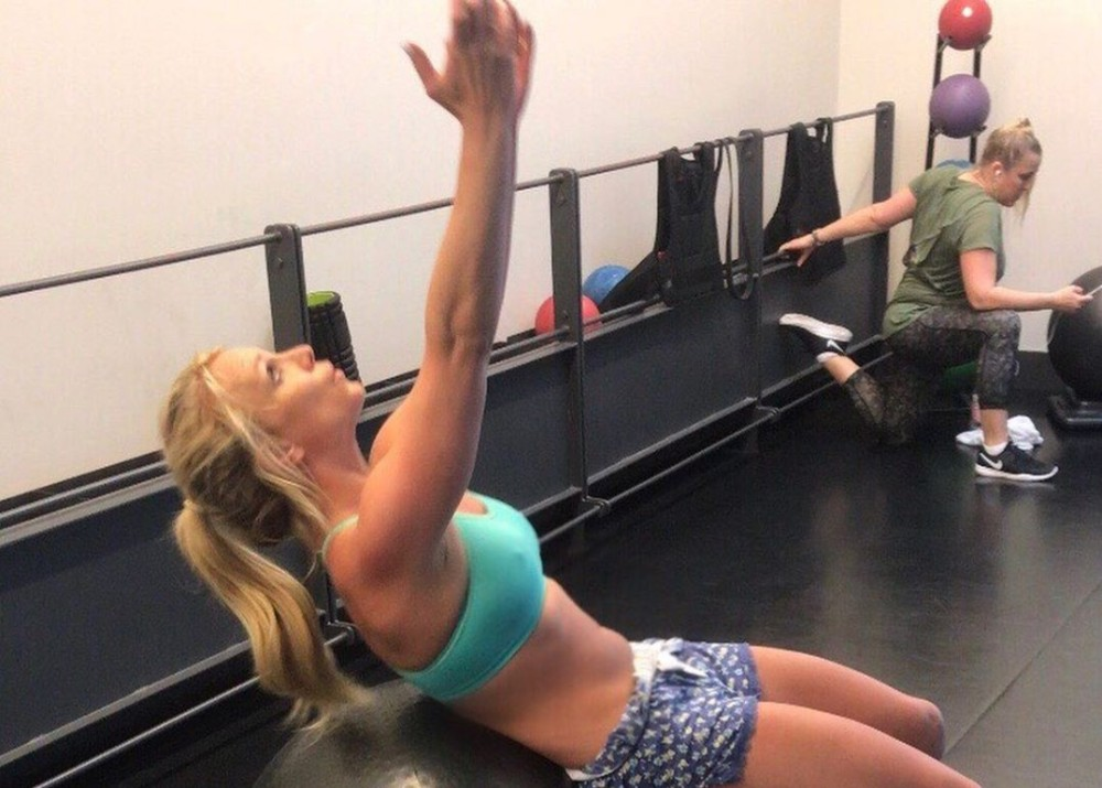 """britney-spears-shows-off-toned-body-as-she-speaks-about-the-positive-impact-people-can-have-on-your-day"""