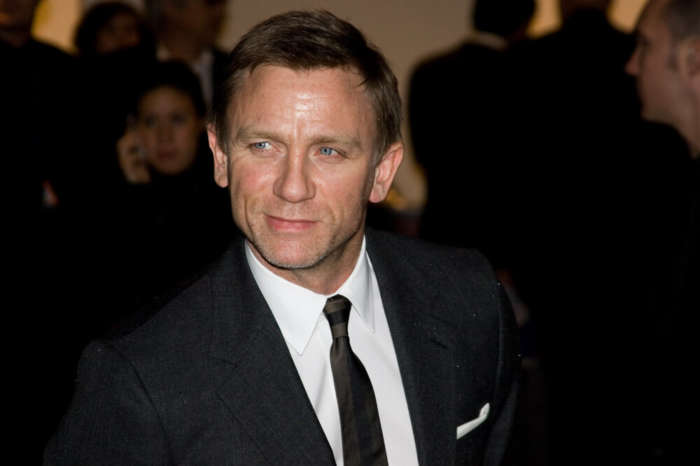 Daniel Craig And Cast And Crew Of No Time To Die Finish Filming