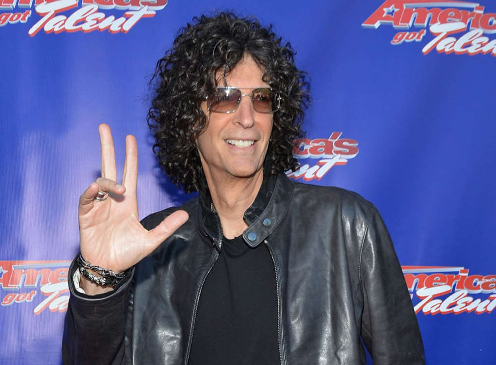 """howard-stern-re-proposes-to-wife-during-late-night-show-appearence"""