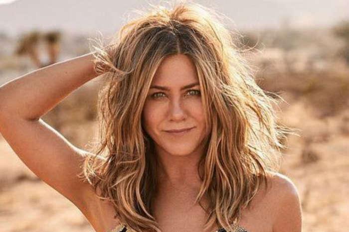 Jennifer Aniston Tells Fans That She 'Woke Up Like This' In New Instagram Pic