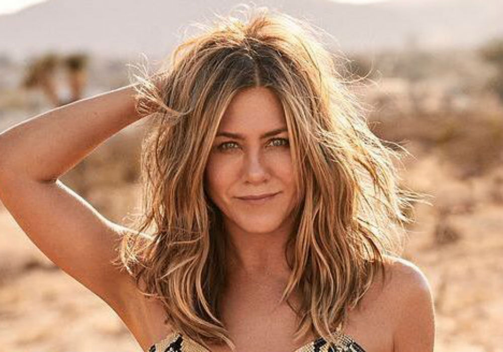 Jennifer Aniston Tells Fans That She 'Woke Up Like This' In New Instagram Pic