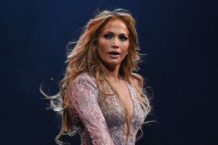 Jennifer Lopez Shows Off Her Incredible Abs After Sweaty Workout