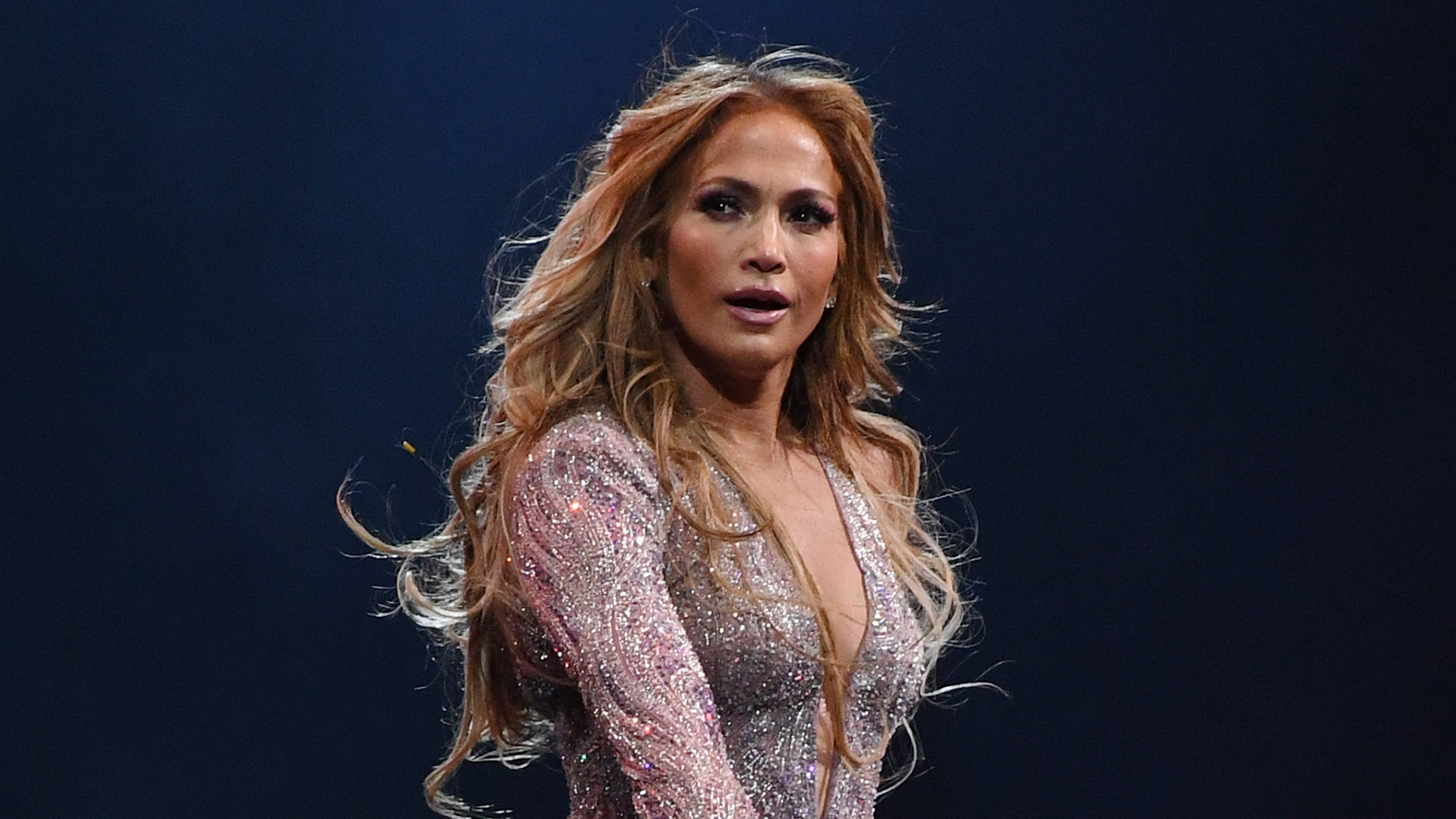"""""""jennifer-lopez-shows-off-her-incredible-abs-after-sweaty-workout"""""""