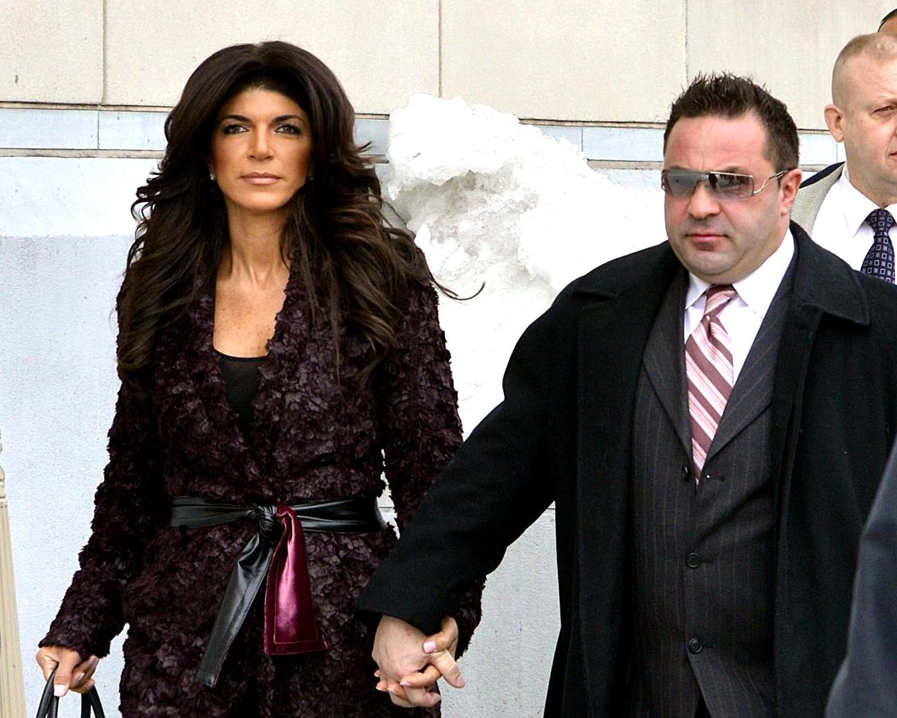 """teresa-giudice-is-yet-to-decide-where-her-relationship-with-joe-is-going-as-he-leaves-for-his-native-italy"""