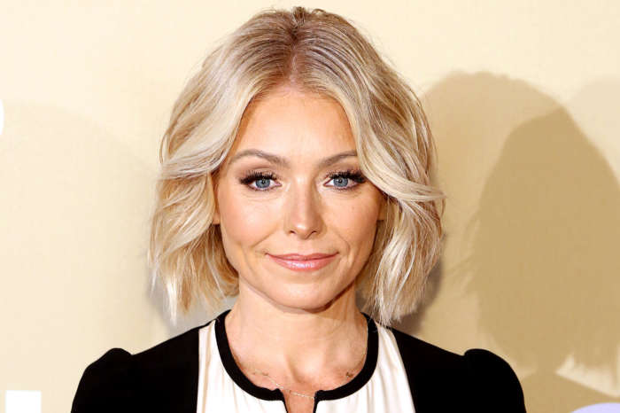 Kelly Ripa Shows Off Her Natural Beauty In Makeup-Free Selfie