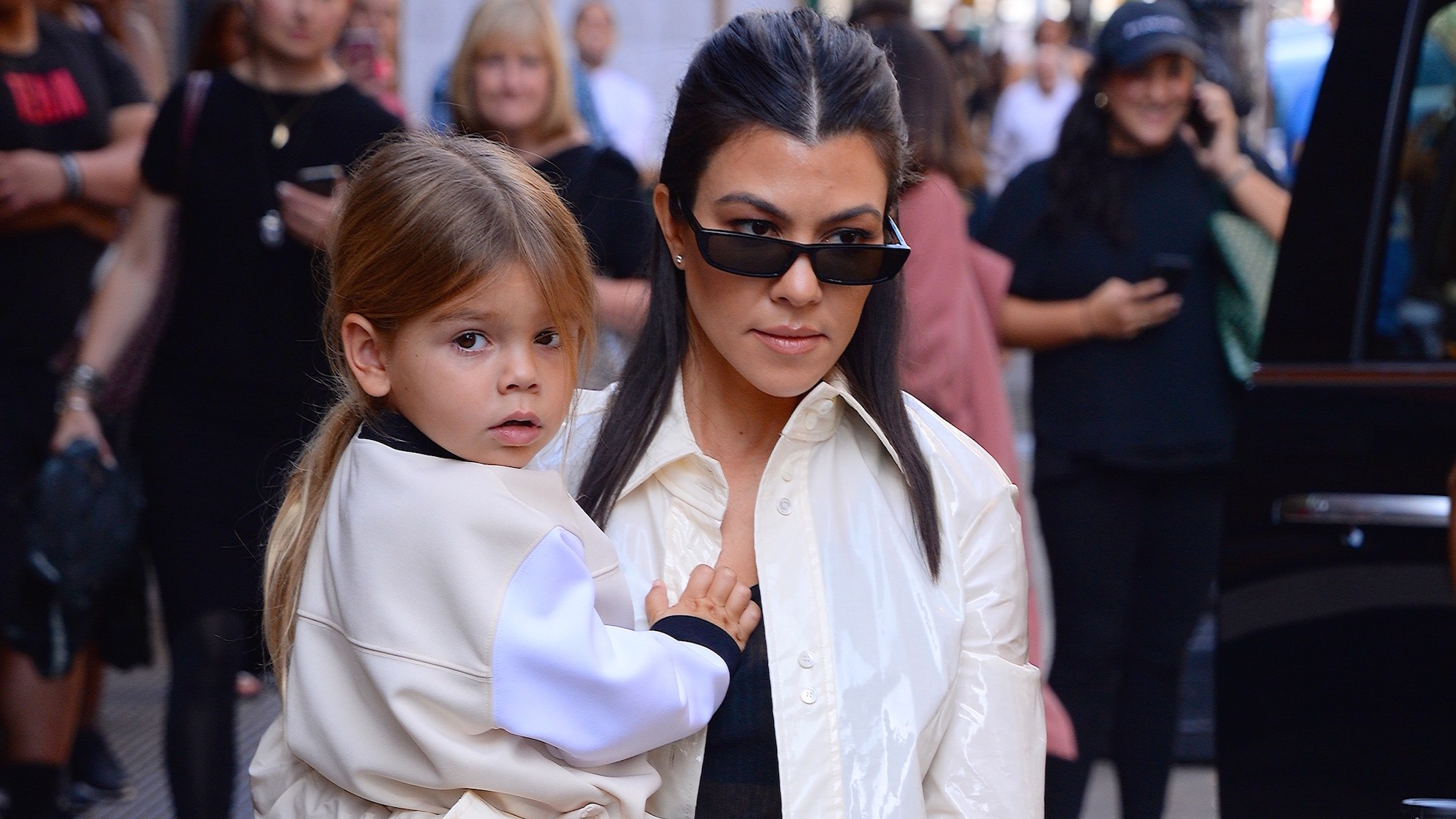 """kuwk-kourtney-kardashians-4-year-old-son-flips-paparazzi-off-in-viral-video"""