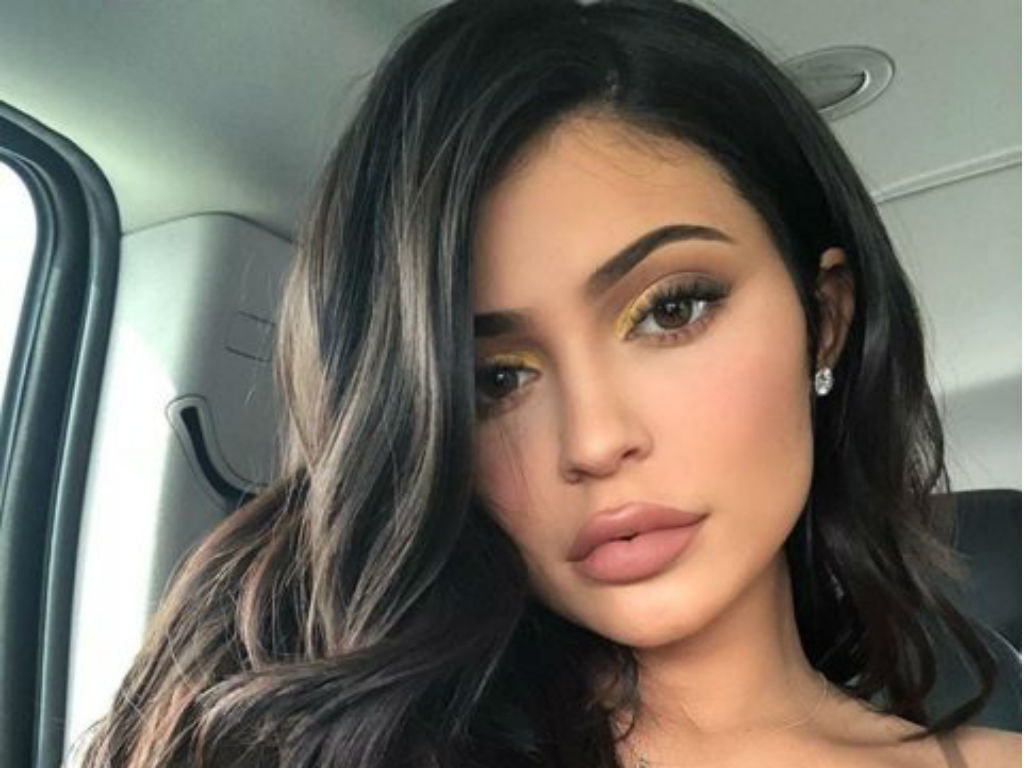 """kylie-jenner-shares-cryptic-happiness-quote-after-travis-scott-split-is-her-message-about-tyga"""