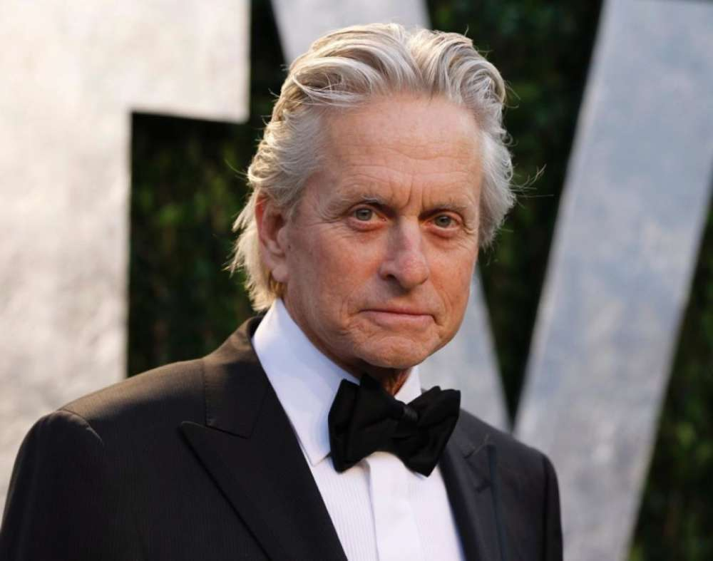 """""""michael-douglas-would-have-his-son-hand-out-marijuana-cigarettes-at-parties-new-memoir-says"""""""