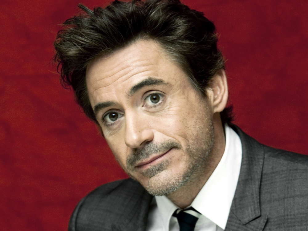 """robert-downey-junior-nearly-had-a-fist-fight-with-hollywood-executive-of-howard-stern-show"""