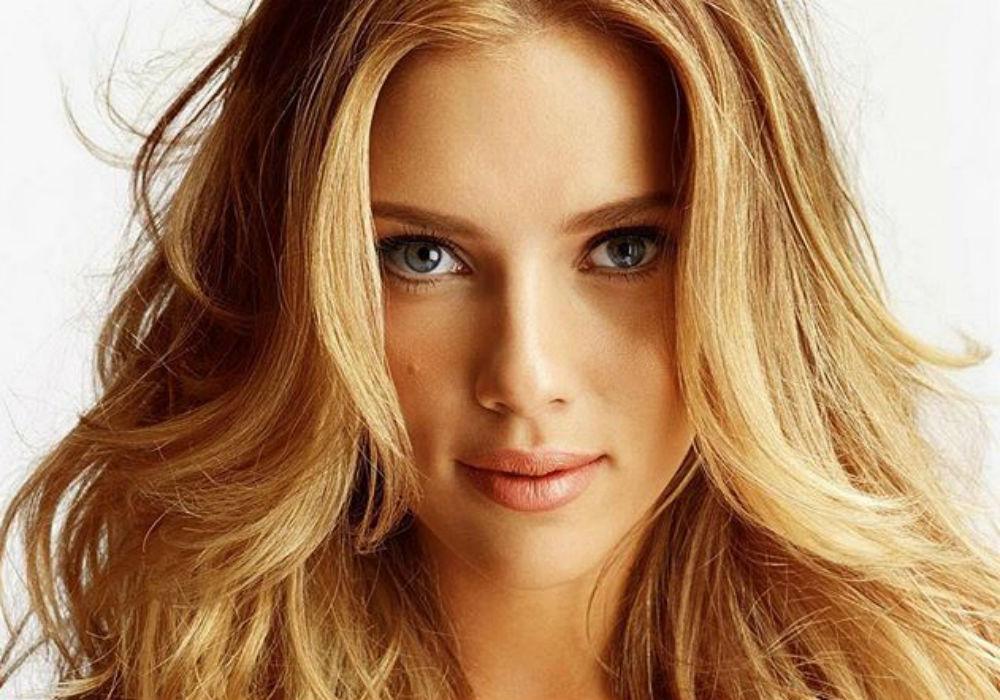 Scarlett Johansson Dishes On Colin Jost's Proposal - 'He Killed It'