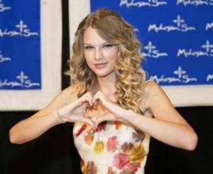 Taylor Swift Says She Loves New Selena Gomez Song