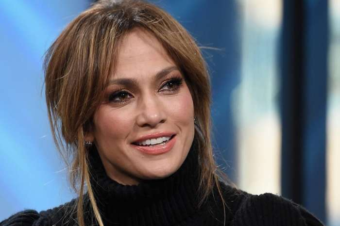 Wendy Williams Defends Jennifer Lopez After Rihanna Suggests Super Bowl Performers Are 'Sell-Outs!'